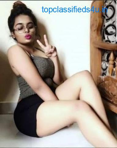 Hotel The Royal Plaza (7042192566)- Model Women Looking For Men Mahipalpur Delhi